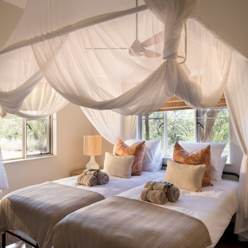 Safari bush house bedroom