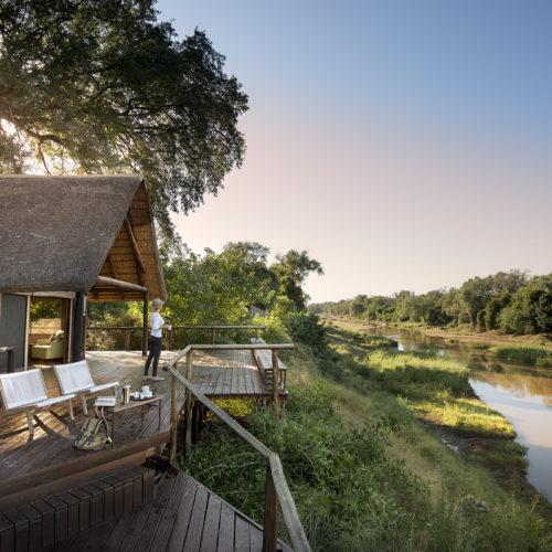 Pafuri safari lodge deck on luvuvhu river