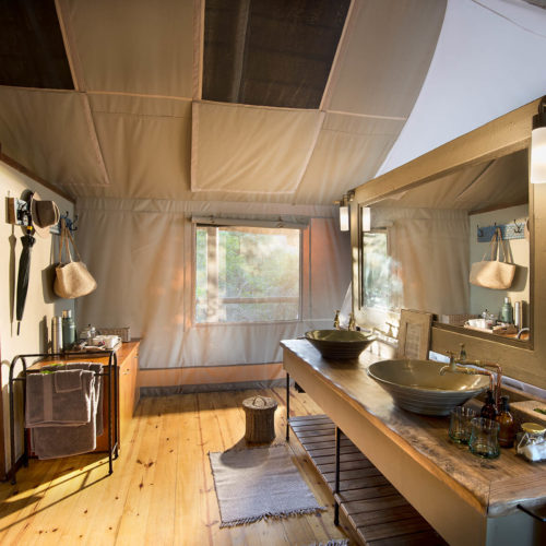 Pafuri luxury tented safari accommodation bathroom