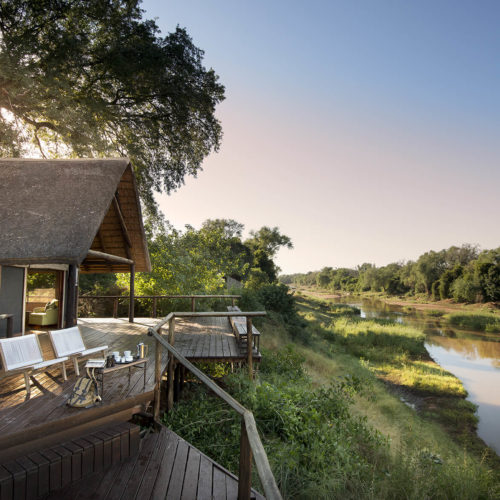 Pafuri safari lodge accommodation on the river